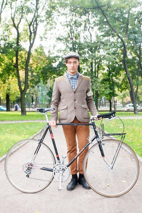 C твидом на город: участники веловояжа в Петербурге о ретро-вещах. Изображение № 47.