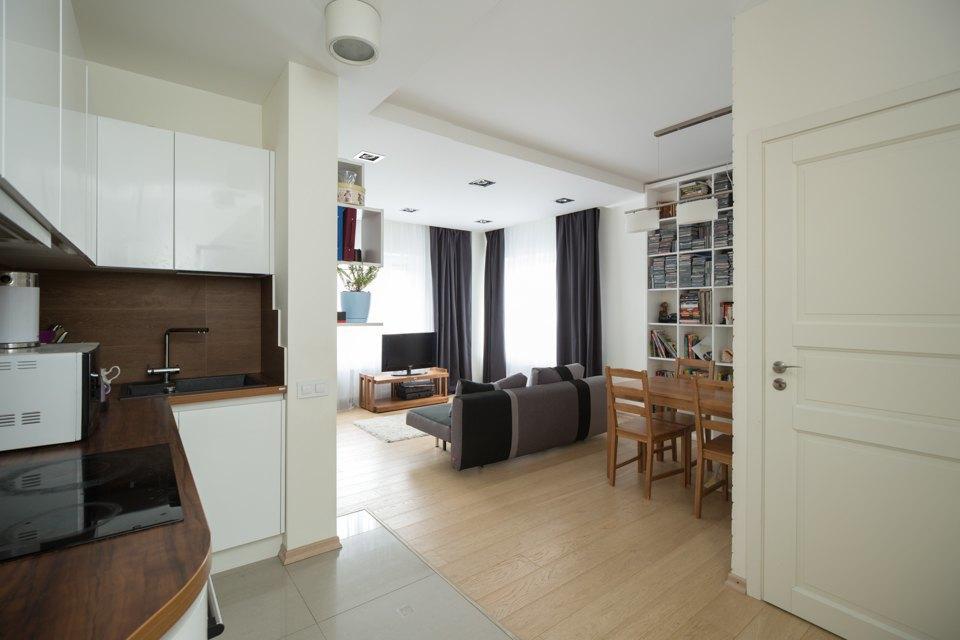 Квартира для большой семьи сминималистским интерьером. Изображение № 14.