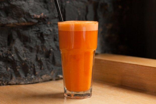 Ягодный, фруктово-овощной, ореховый исзеленью испециями — 5 смузи изFresh. Изображение № 6.