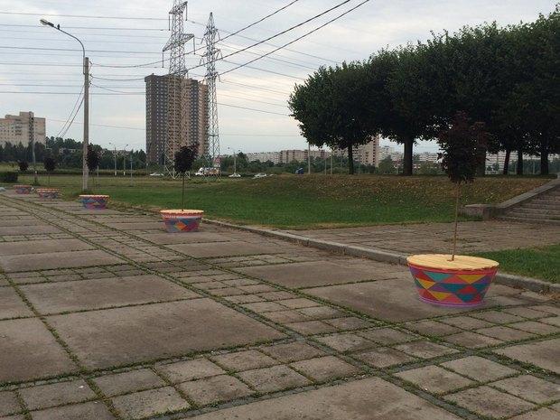 ВЮжно-Приморском парке установили скамейки сбесплатным Wi-Fi. Изображение № 1.