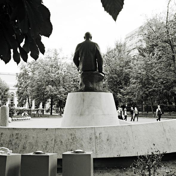 По местам: Памятник Абаю Кунанбаеву. Изображение № 2.