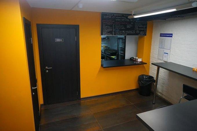 На улице Фридриха Энгельса открылась новая бургерная «Котлета». Изображение № 1.