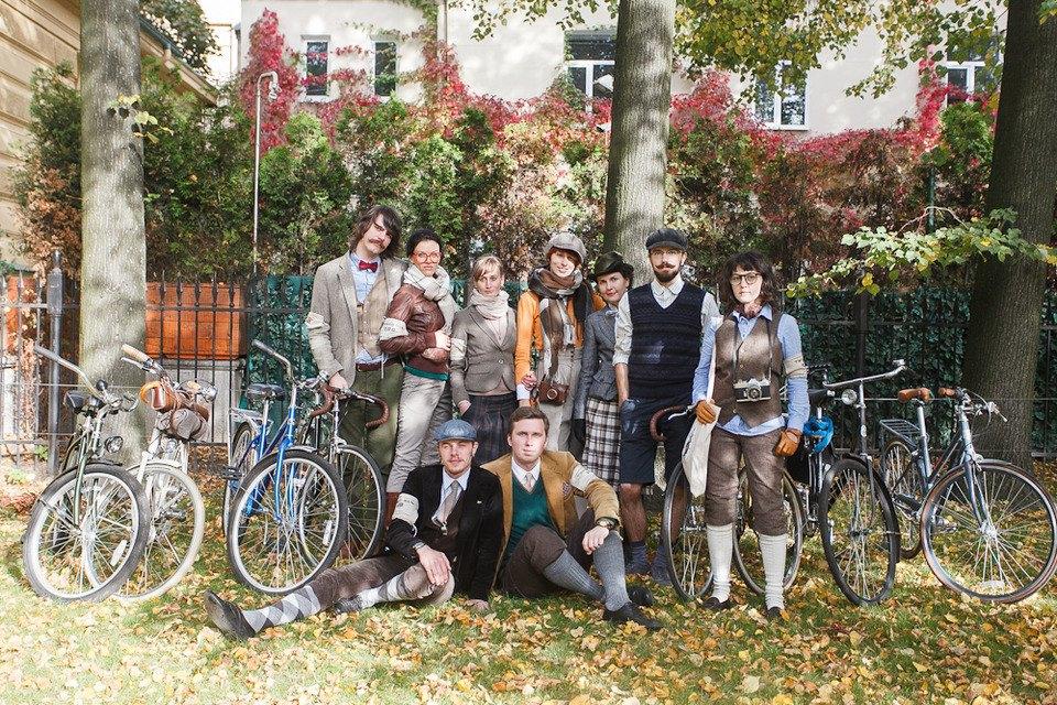 C твидом на город: участники веловояжа в Петербурге о ретро-вещах. Изображение № 32.