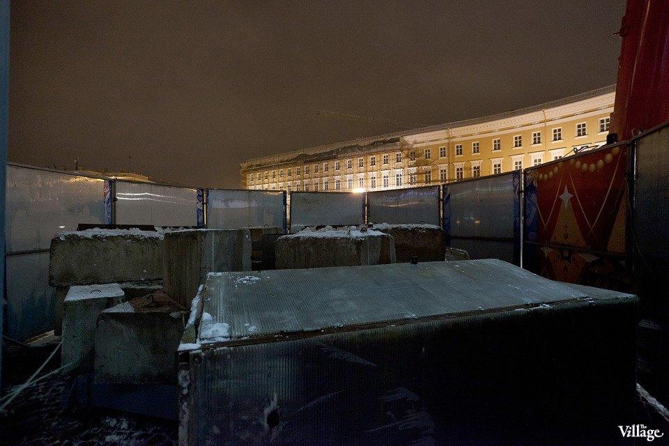 Фоторепортаж: Как устанавливали главную петербургскую ёлку. Изображение № 12.