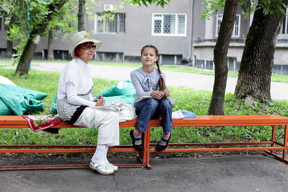 Выход в город: Маша и Алла впарке на Автозаводской. Изображение № 6.