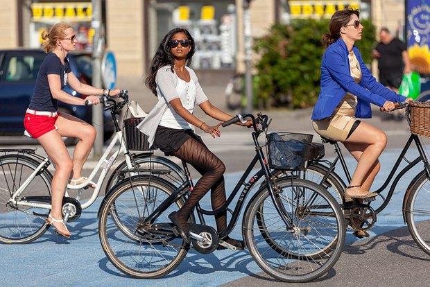Автор Cycle Chic— одевушках, детях иполитиках навелосипедах. Изображение № 15.