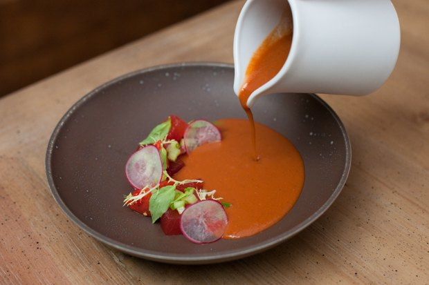 3 холодных супа: томатный с арбузом, огуречный с моцареллой и свекольный с черешней. Изображение № 2.