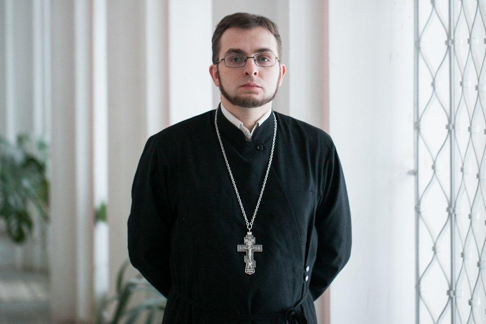 Священнослужитель— оправославных активистах, смерти иселфи. Изображение № 3.