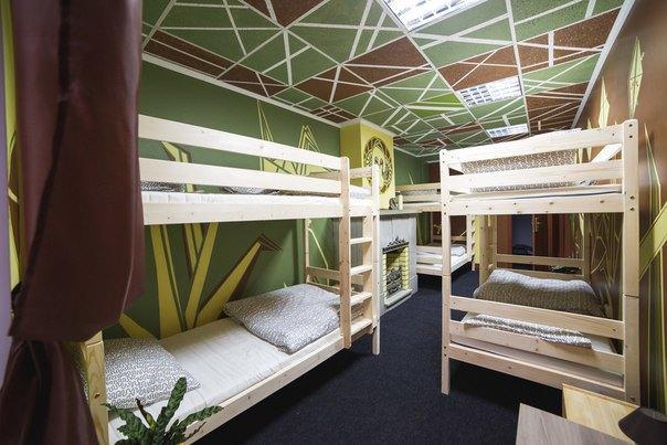 НаПетроградской открылся хостел срасписными комнатами. Изображение № 8.