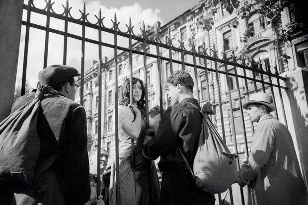 Иностранцы смотрят кино про Великую Отечественную войну. Изображение № 1.