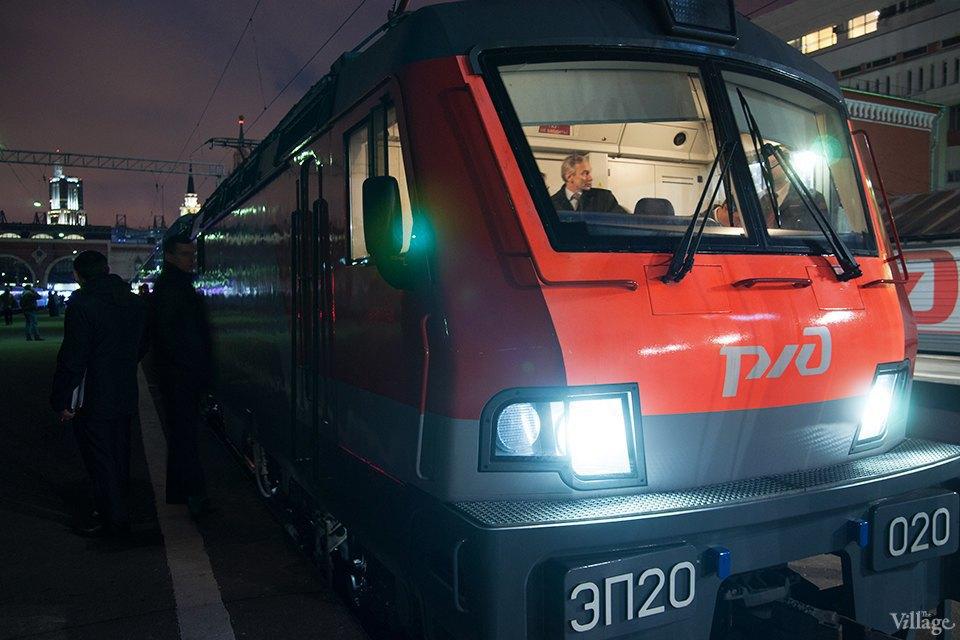 Фото дня: Первый в России двухэтажный поезд. Изображение № 1.