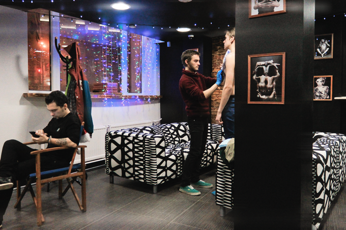 На «Фрунзенской» открылось рабочее пространство для тату-мастеров . Изображение № 3.