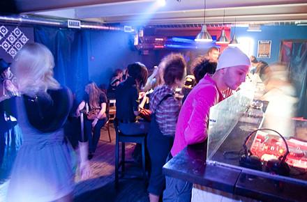 Дожить до рассвета: Бары и клубы Петербурга в новогоднюю ночь. Изображение № 29.