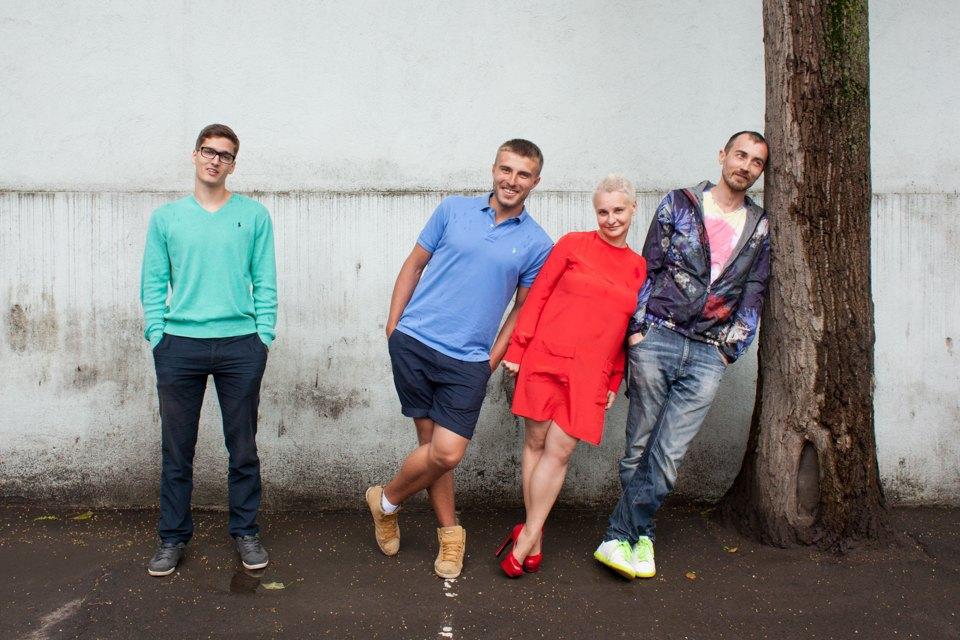 Слева направо: Даниил, Александр, Ольга, Егор. Изображение № 1.