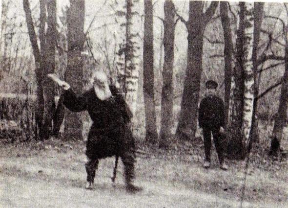 Лев Толстой за игрой в городки. Изображение № 4.