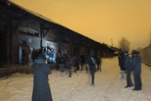 ОМОН разогнал оккупантов пакгауза на Варшавском вокзале. Изображение № 1.