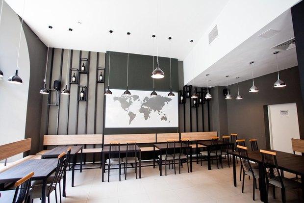 Алкогольная компания «Ладога» открыла собственный бар наПетроградской стороне . Изображение № 2.