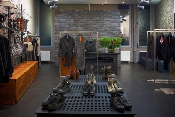 Интерьер магазина Disdress. Изображение № 2.