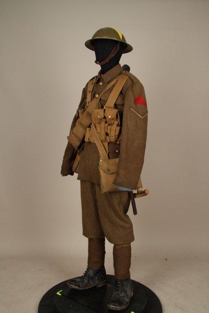 Режиссёр «Властелина колец» подарил музею вЦарском Селе несколько экспонатов. Изображение № 4.
