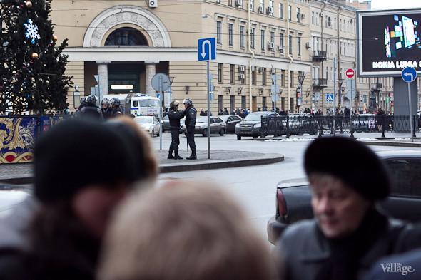 Фоторепортаж: Митинг против фальсификации выборов в Петербурге. Изображение № 10.