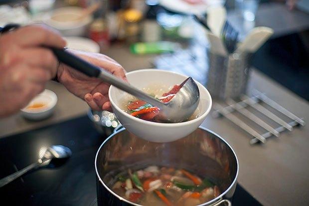 Шеф дома: Том ям и сашими из тунца Геннадия Иозефавичуса. Изображение № 59.