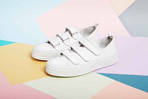 Вещи недели: 8 пар белых кроссовок. Изображение № 2.
