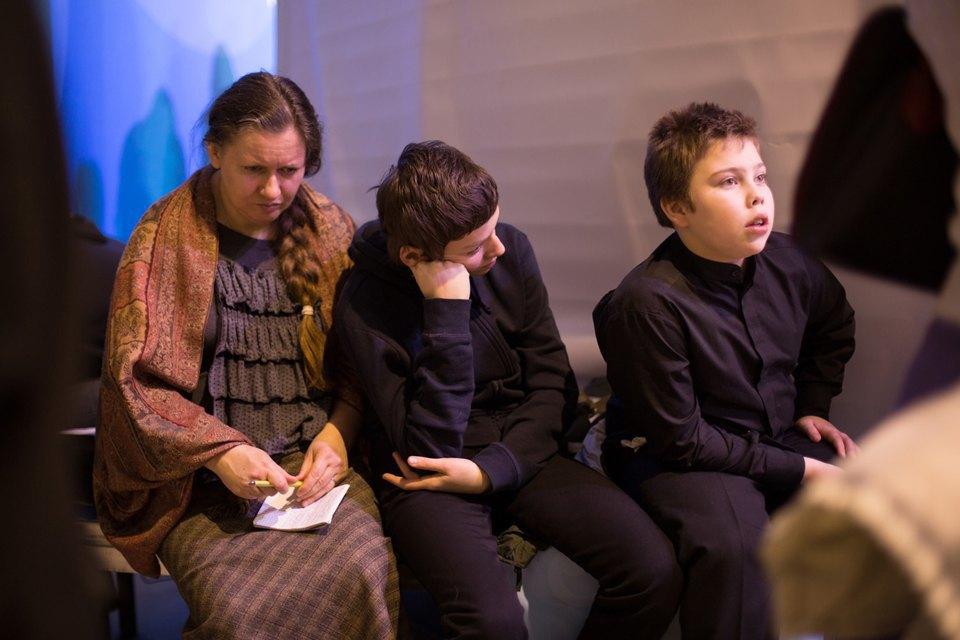 Какие вопросы молодёжь задает Патриарху. Изображение № 24.