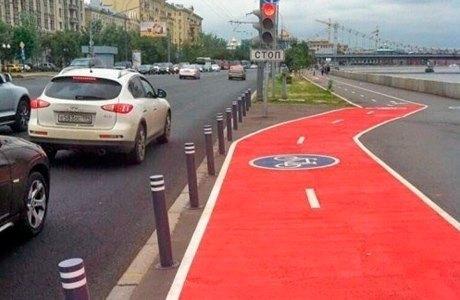 Опасные участки велодорожек пометят красным. Изображение № 1.