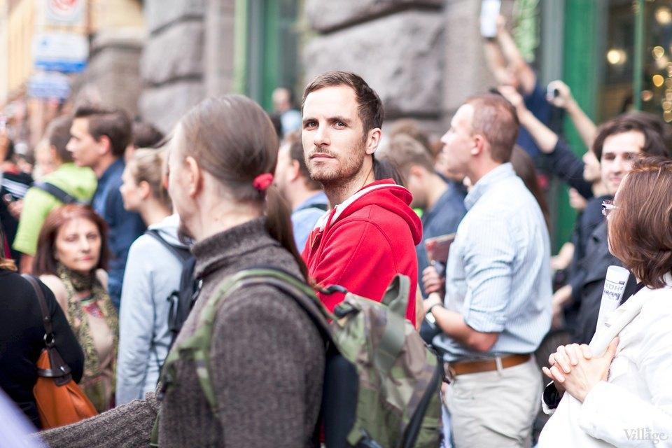Фоторепортаж: «Народный сход» вподдержку Навального вПетербурге. Изображение № 24.