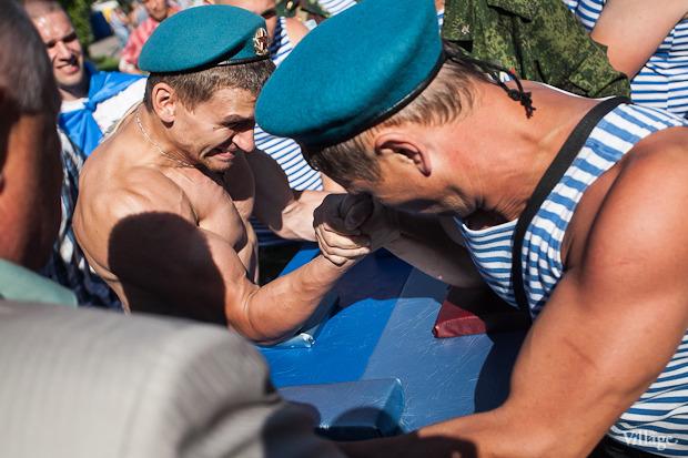 Фоторепортаж: День Воздушно-десантных войск в Петербурге. Изображение № 18.