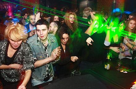 Дожить до рассвета: Бары и клубы Петербурга в новогоднюю ночь. Изображение № 59.