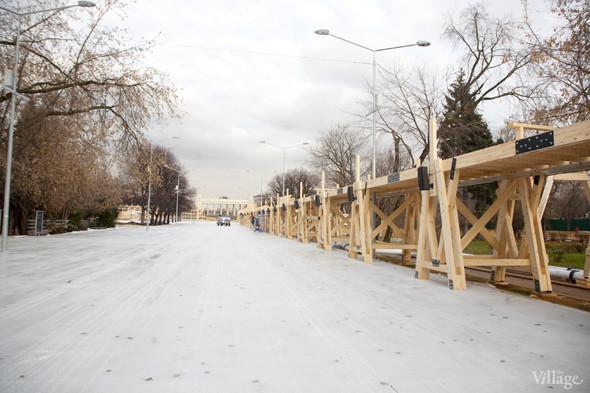 В парке Горького залили каток. Изображение № 13.