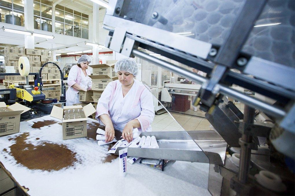 Производственный процесс: Как делают косметику. Изображение № 13.