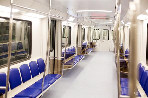 В Петербурге представили новые вагоны метро и низкопольный трамвай. Изображение № 14.