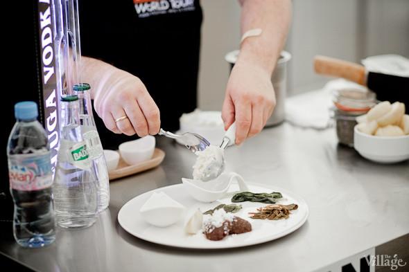 Omnivore Food Festival: Иван Шишкин готовит пеммикан и черемуховые полбяные пряники. Изображение № 54.
