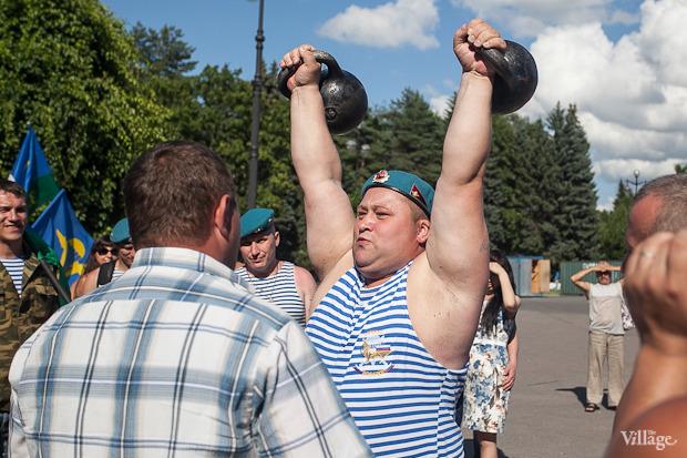 Фоторепортаж: День Воздушно-десантных войск в Петербурге. Изображение № 15.