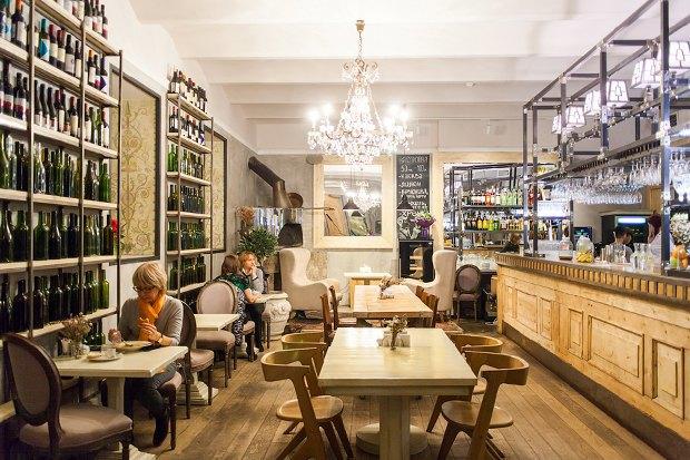 7 баров, кафе,ресторанов иодин продуктовый магазин, открывшиеся воктябре. Изображение № 1.