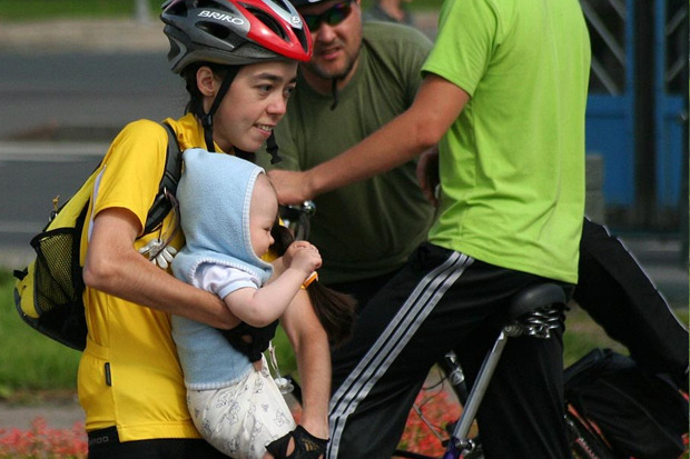 Велодорожку на Луначарского оккупировали 200 велосипедистов. Изображение № 5.