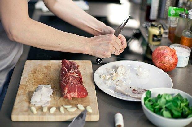 Шеф дома: Ростбиф-салат и тыквенная каша Мириам Сехон. Изображение № 7.