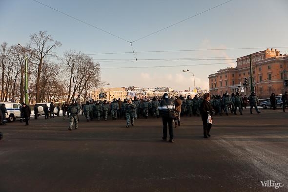 Фоторепортаж: Шествие за честные выборы в Петербурге. Изображение № 29.