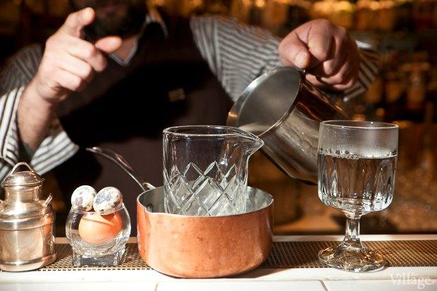 Смесительный стакан поместить в ёмкость с горячей водой, нагреть. Изображение № 24.