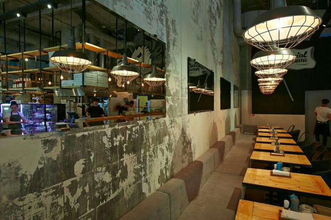 Владелец Friends Forever открыл вторговом центре «Кунцево Плаза» пиццерию Studio. Изображение № 1.