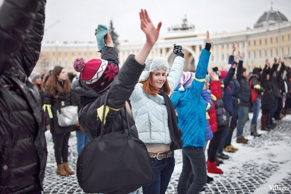 Фоторепортаж: Gangnam Style и зарядка на Дворцовой площади. Изображение № 13.
