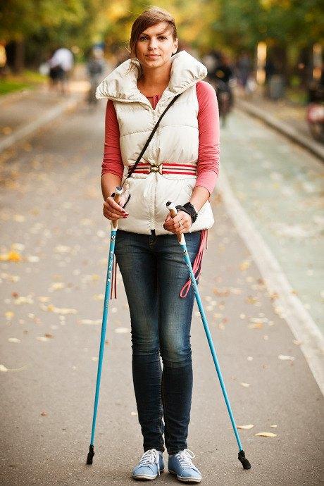 Люди в городе: Кто занимается скандинавской ходьбой. Изображение № 17.