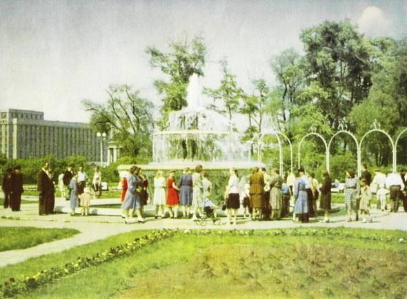 Фонтан «Розарий», 50-е годы. Изображение № 7.