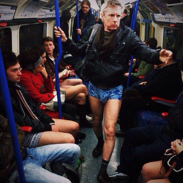 Флешмоб «В метро без штанов» в снимках Instagram. Изображение № 16.
