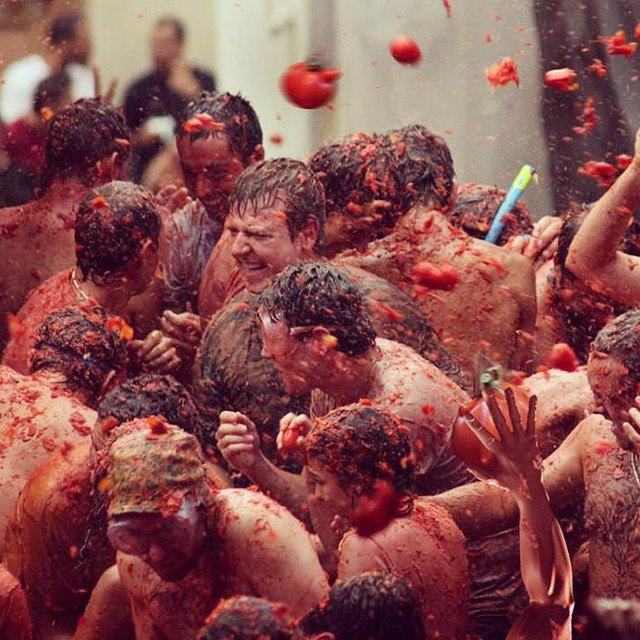Битва помидорами вИспании вснимках Instagram. Изображение № 5.