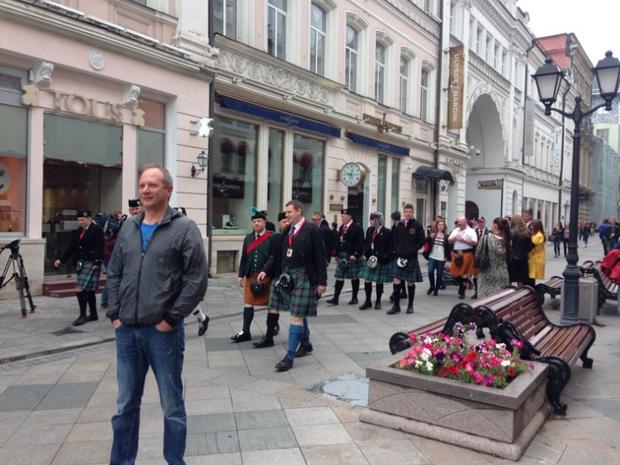 Шотландцы наНикольской улице. Изображение № 1.