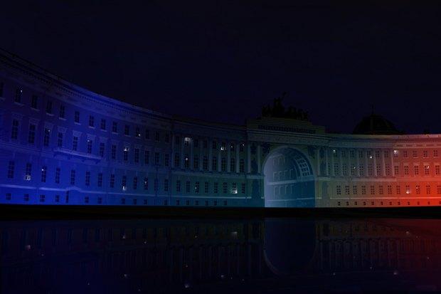 На ночь глядя: 12 проектов подсветки Главного штаба. Изображение № 49.