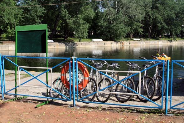 Изображение 5. В парке Горького появился бесплатный интернет и значки велопарковок.. Изображение № 3.